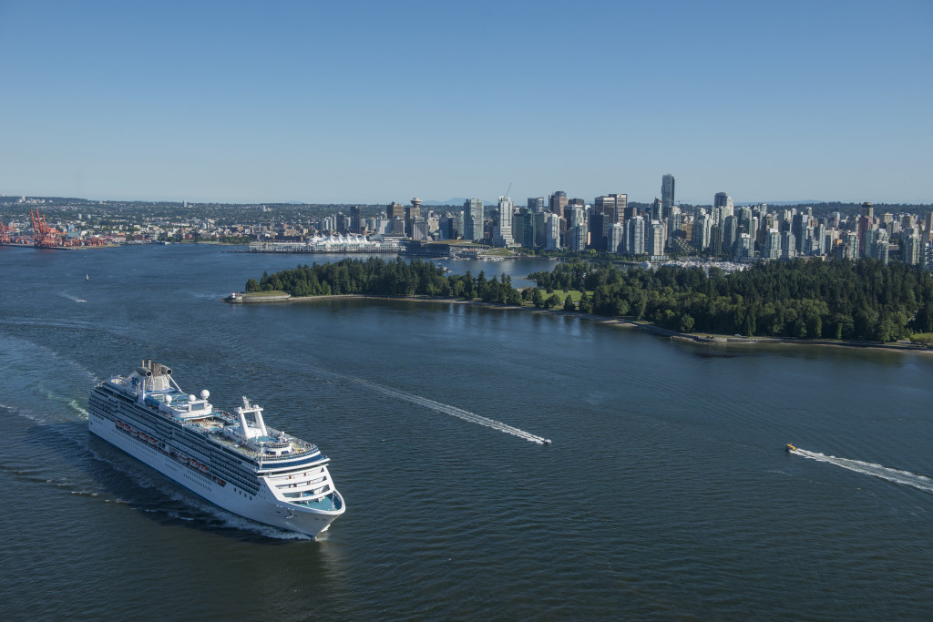 Port cites cruise lines for environmental stewardship