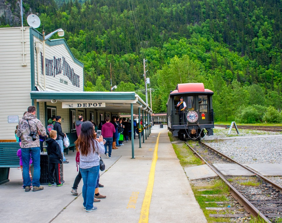 New group takes control of Skagway waterfront, railroad